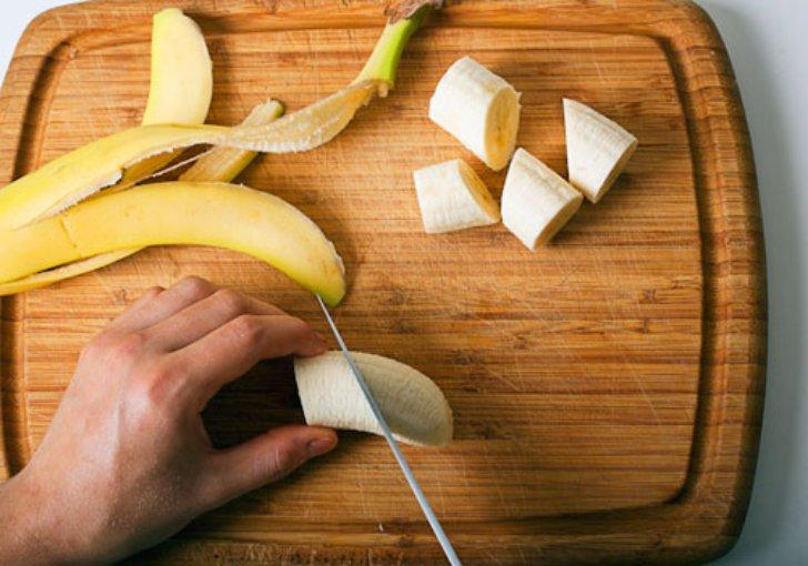 Как давать собаке бананы